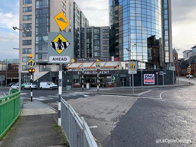 zebra-shannon-bridge-roundabout